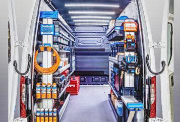 Fahrzeugeinrichtungen und Regelsysteme