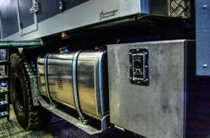 Tankanlage und Stauboxen am Expeditionsmobil